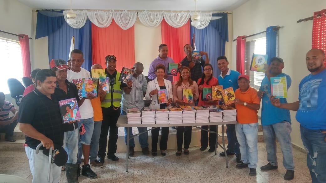 Asociación de Servidores Públicos del Ayuntamiento de Castillo Realizó Entrega de Cuadernos con Motivo de Inicio del Año Escolar