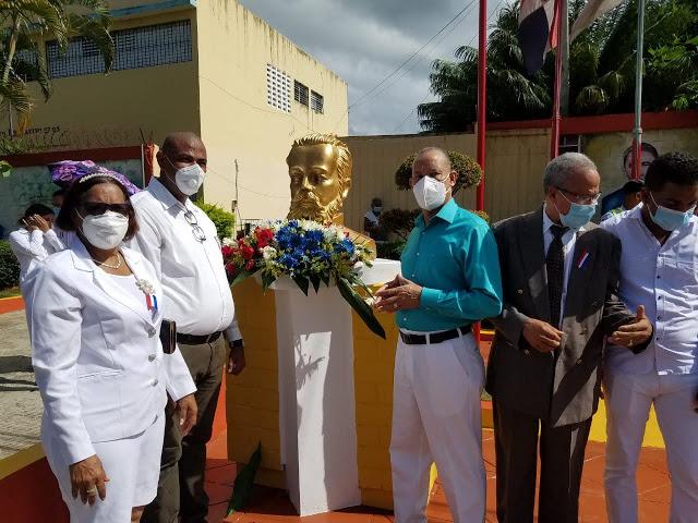 Autoridades de Castillo realizan actos conmemorativos por Día de la Restauración